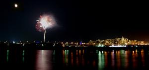 ディズニーランドホテルと花火