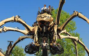 ラ・マシンの巨大クモ