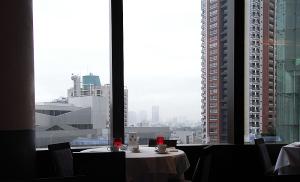 ロイズ東京 バー&グリル