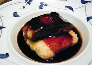 フォアグラと大根餅の赤酢あんかけ