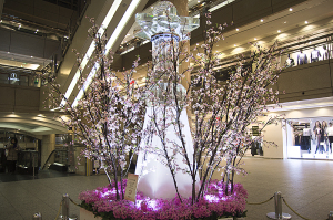 横浜ランドマークタワーのクリスタル桜