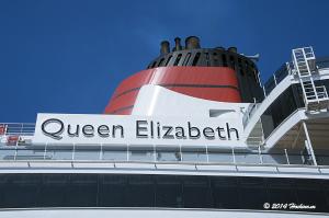 横浜に初入港したクイーンエリザベス