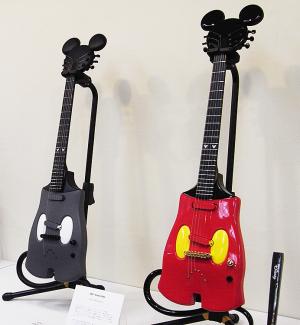 ミッキーマウスギター