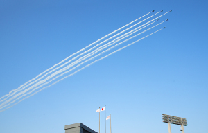 国立競技場 FINAL ブルーインパルス展示飛行