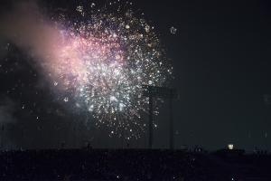 国立競技場 ファイナルセレモニーの花火