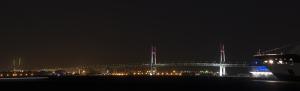 横浜ベイブリッジ25周年ピンクライトアップ