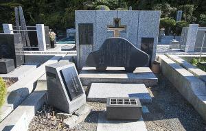 小柳徹さんのお墓