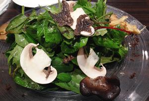俺のフレンチTOKYO シェフが厳選した茸のサラダ仕立て トリュフの香り