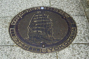 練習帆船日本丸のマンホールの蓋