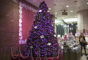 プランタン銀座のクリスマスツリー