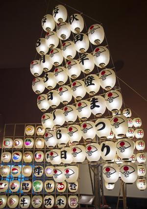 秋田県秋田市「秋田竿燈まつり」