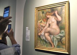 ピエール・オーギュスト・ルノワール「座る浴女」