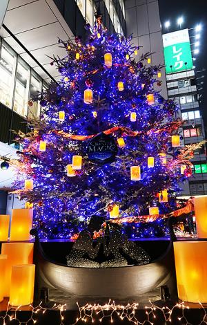 渋谷ヒカリエ ラプンツェルのクリスマスツリー