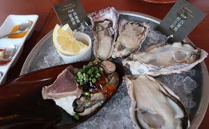 生牡蠣、牡蠣マリネと鰹のたたき