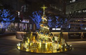 MOËT CHRISTMAS TREE
