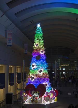 クイーンズスクエア横浜 ミッキーマウス&フレンズクリスマスツリー