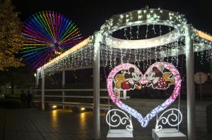 クイーンズスクエア横浜「ミッキーマウス&フレンズ」イルミネーション