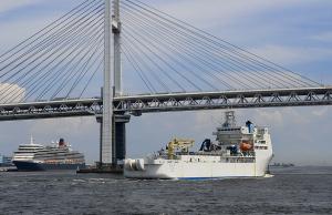 NTTの海底ケーブル敷設船「きずな」
