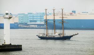 航海練習帆船「みらいへ」