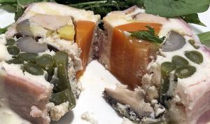 鳥取県大山鶏フォアグラと野菜のテリーヌ