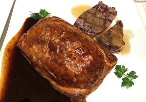 ウェリントン風 牛フィレのパイ包みと 牛ロースのグリエ