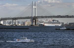 横浜水上警察署の警備艇「神3つるぎ」