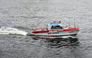 神奈川県警・横浜水上警察署の警備艇「神7ちどり」