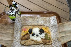 竹皮パンダ弁当