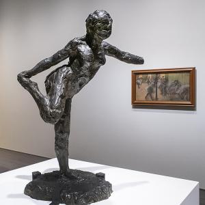 エドガー・ドガ 《右手で右足を持つ踊り子》