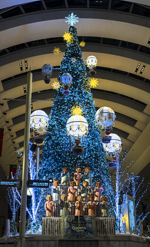 クイーンズスクエア横浜のクリスマスツリー